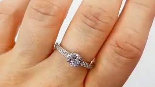 Серебряное Кольцо 380350C на пальце